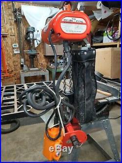 CM SHOPSTAR 600 lbs 120 Volt Electric Chain Hoist with trolly
