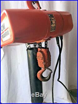 CM Valustar 2 Ton 4000lb Electric Hoist 115v 14 Amps Model WR Chain bucket nice