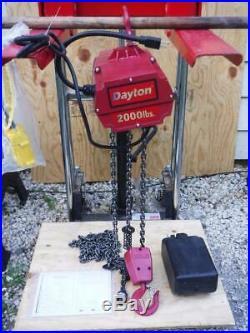 New Dayton 2XY33 Electric Chain Hoist 2000 lb. 10 ft 115 V Lift FAST SHIP 1 Ton